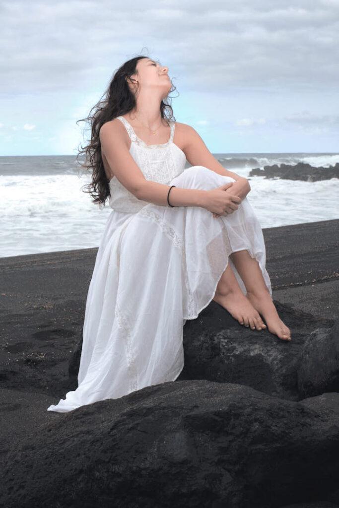 Ela & Chris Fotograf Teneriffa fotografiert eine Liebesgeschichte in Puerto de la Cruz am Strand