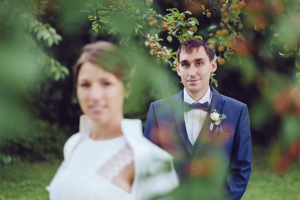 Ela und Chris Hochzeitsfotograf fotografieren Brautpaar bei der Hochzeit in der Nähe von Herrsching am Ammersee