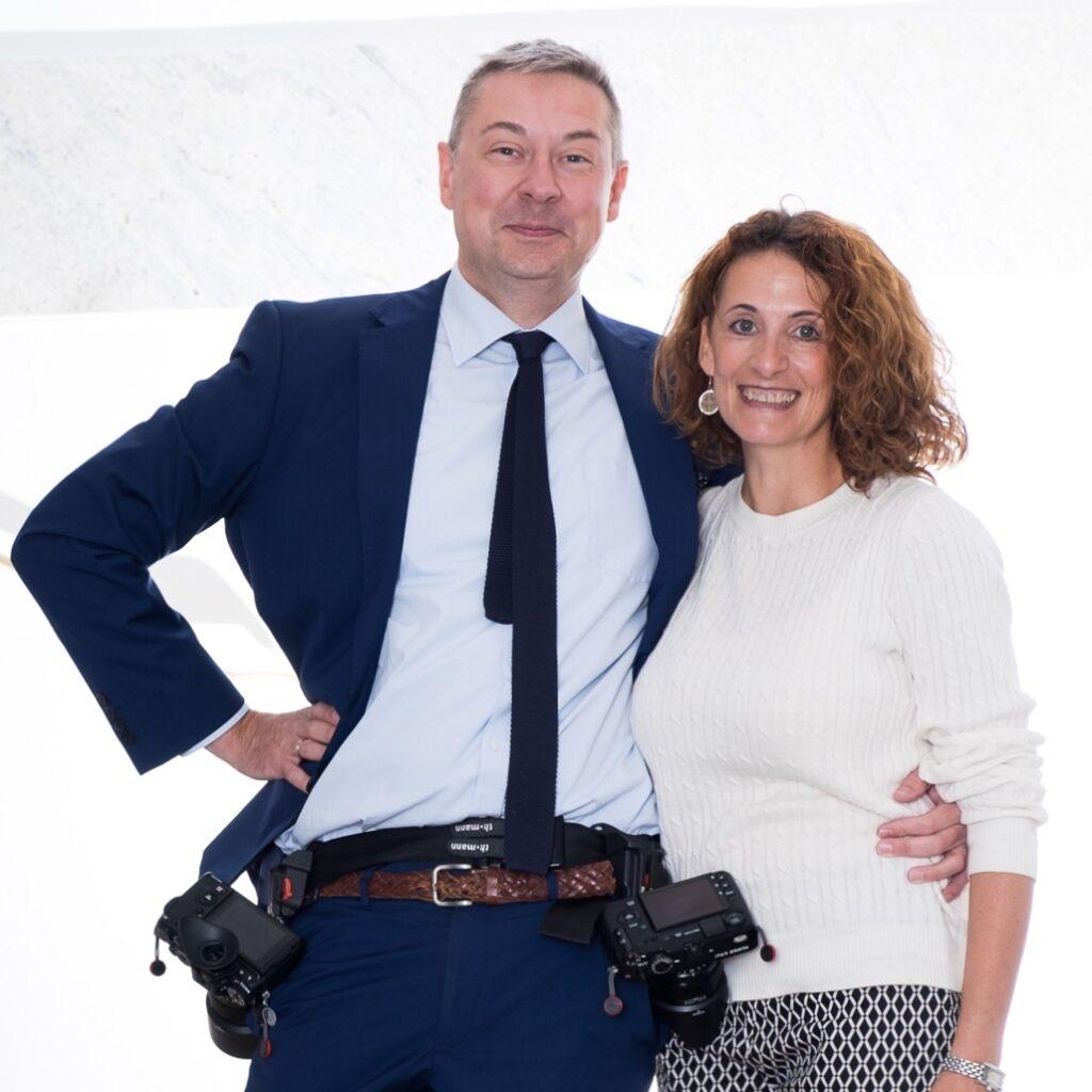 Wir sind Ela und Chris professionelle Fotografen mit einem Faible für Hochzeit, Liebesgeschichte und Überraschungsverlobung